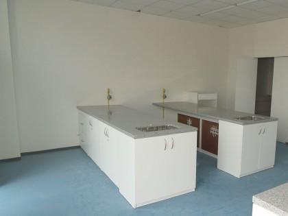 Estante de Laboratorio con Lavamanos
